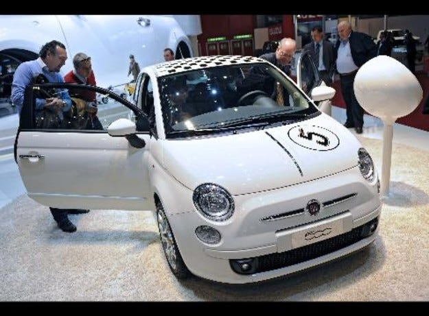 Fiat затваря временно четири завода