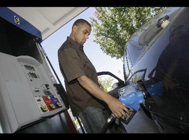 Америка харчи повече за бензин, отколкото за коли