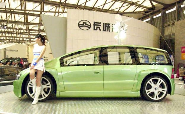 Уорън Бъфет инвестира в китайски електромобили