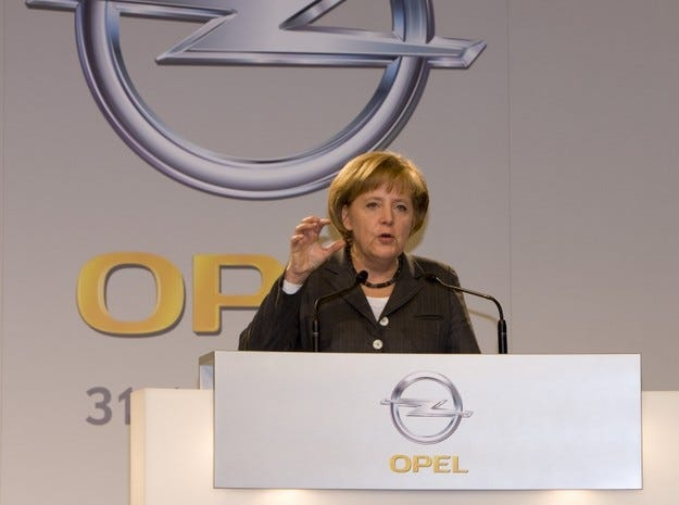 Меркел посети Opel в Рюселсхайм