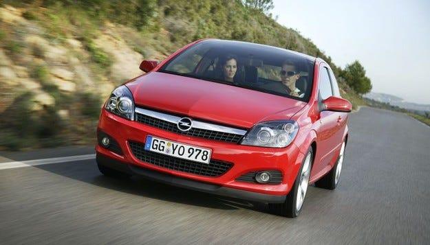 Европейските дилъри подпомагат Opel