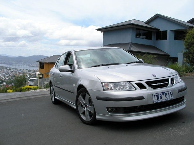 Купувачите на Saab остават двама