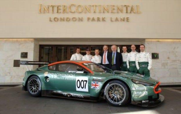 Джони Хърбърт в екипа на Aston Martin