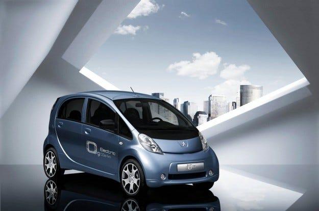 И Peugeot пуска електромобил