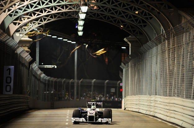 Гран при на Сингапур: Хайдфелд потегля от питлейна