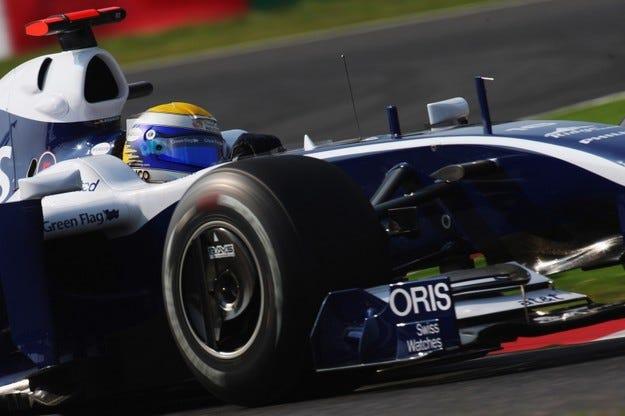Гран при на Япония: Розберг отърва наказанието