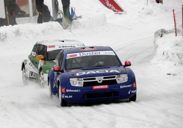 Dacia Duster спечели първата си победа в Андрос Трофи