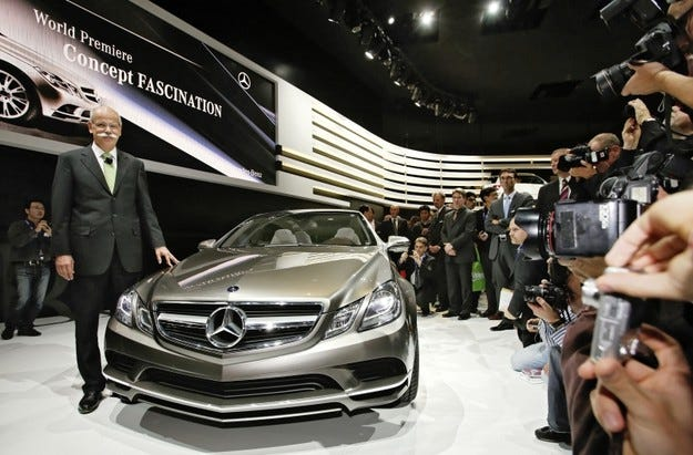 Daimler удължи договора на Цетше до 2013