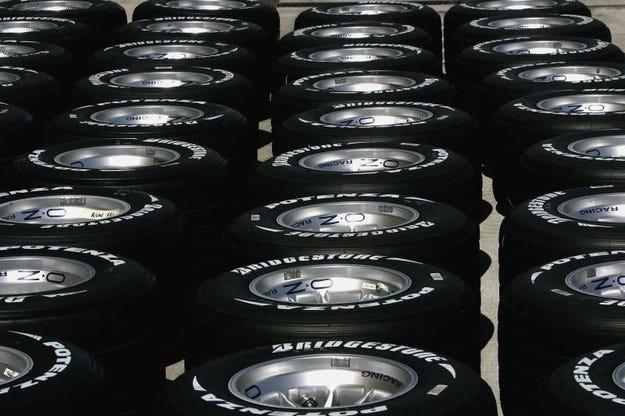 Williams поиска тестове на новите гуми преди 2011 г.