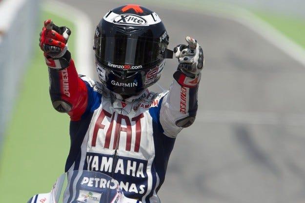 MotoGP: Лоренсо спечели битката на Каталуня