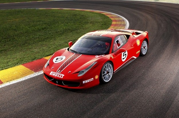 Ferrari 458 Challenge: Спорт за джентълмени