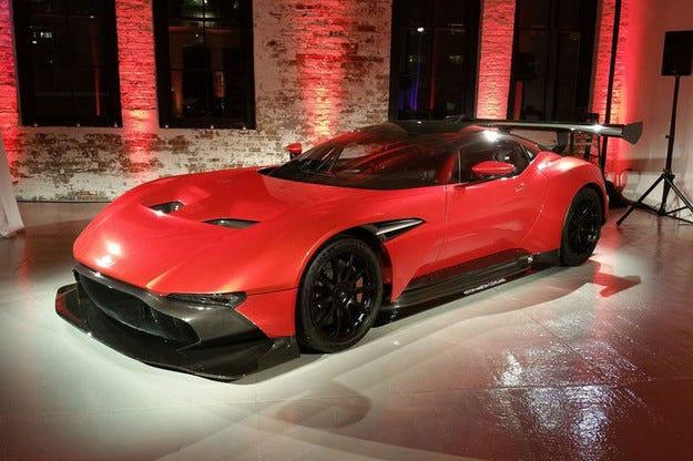 Продават Aston Martin Vulcan за 3,4 вместо 2,3 млн. долара