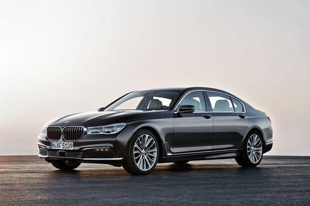 Флагманът BMW Серия 7 за първи път има двулитров двигател