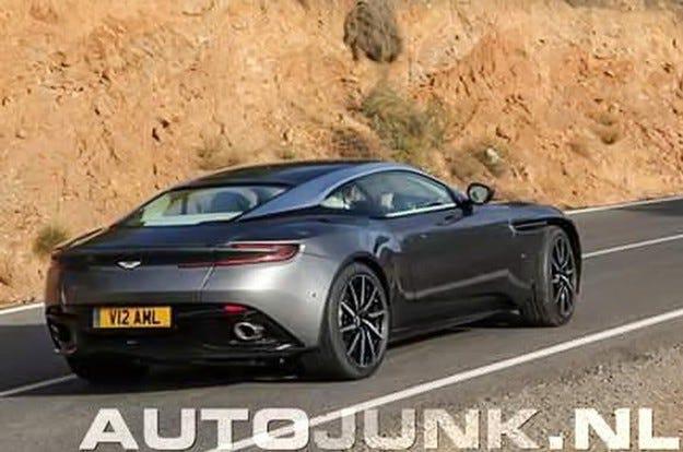 Засякоха Aston Martin DB11 за първи път без камуфлаж