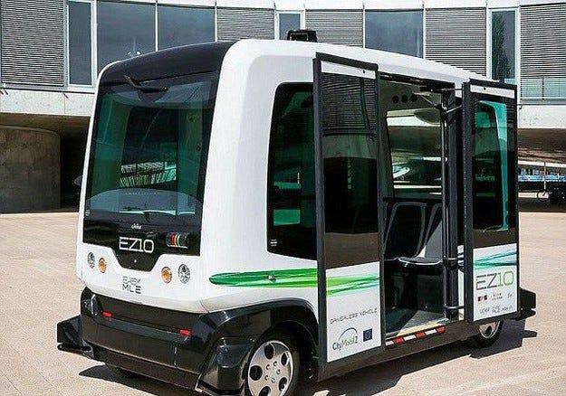 В Холандия се движи първият безпилотен автобус в света