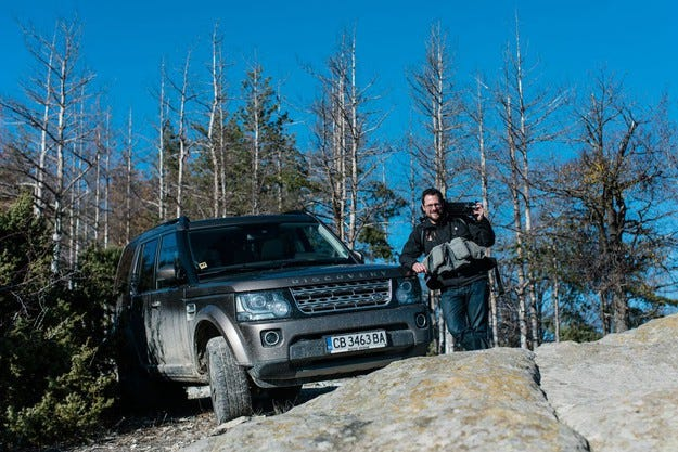Известен фотограф обиколи България с Land Rover Discovery