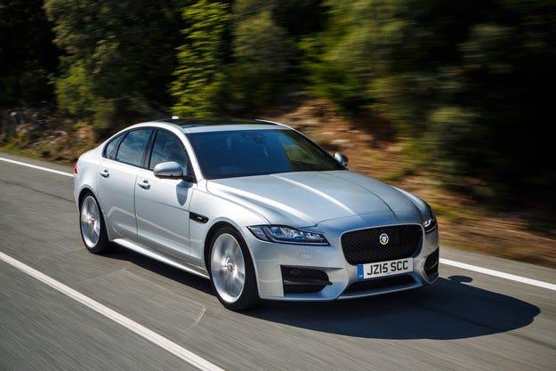 Jaguar обра наградите на Служебен автомобил на годината