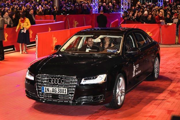 Тестват Audi A8 с автопилот по обществените пътища