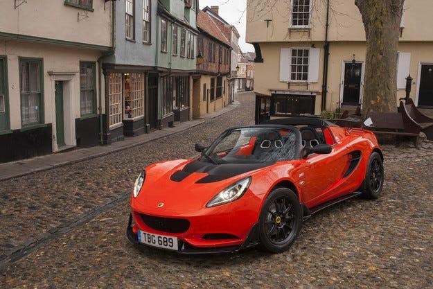 Роудстърът Cup 250 става най-бързият пътен Lotus Elise