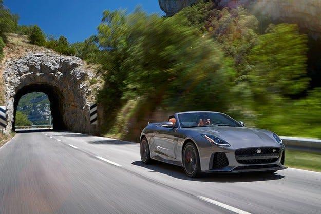 Новият Jaguar F-TYPE SVR вече е наличен за поръчки