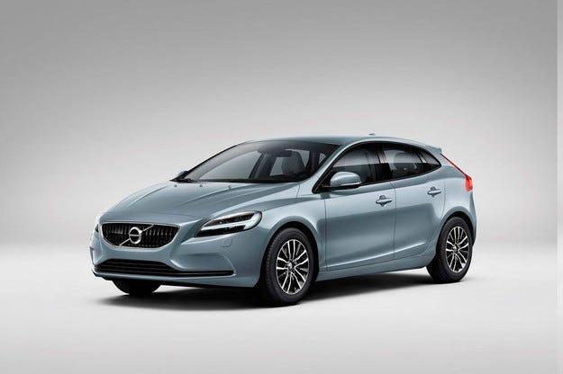 Шведската компания Volvo представя обновения хечбек V40