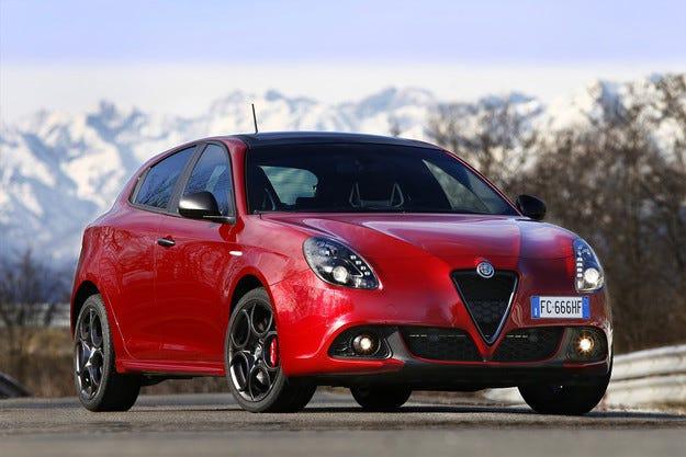 Италианската марка Alfa Romeo обнови хечбека Giulietta