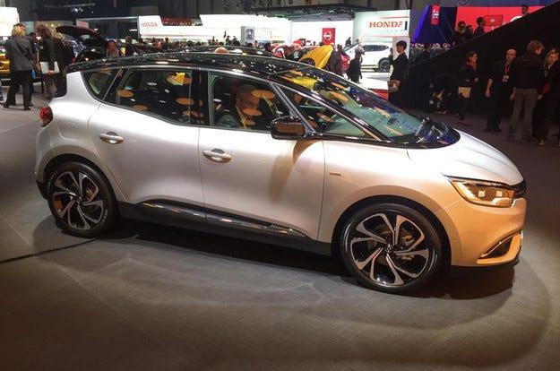 Новият Renault Scenic прилича повече на кросоувър