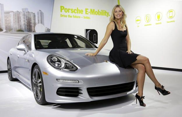 Porsche преустанови партньорството си с Мария Шарапова