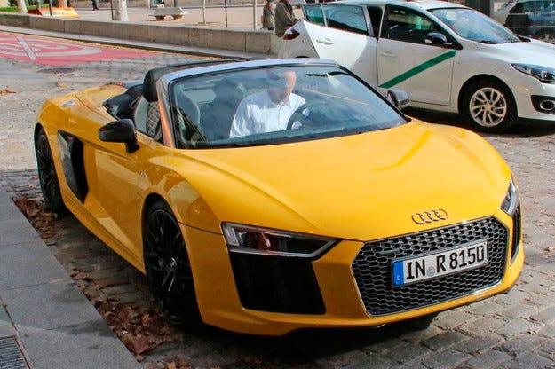 Разсекретиха кабриолета Audi R8 преди премиерата му