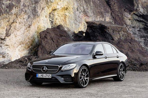 Добавиха още конски сили на седана Mercedes E-класа