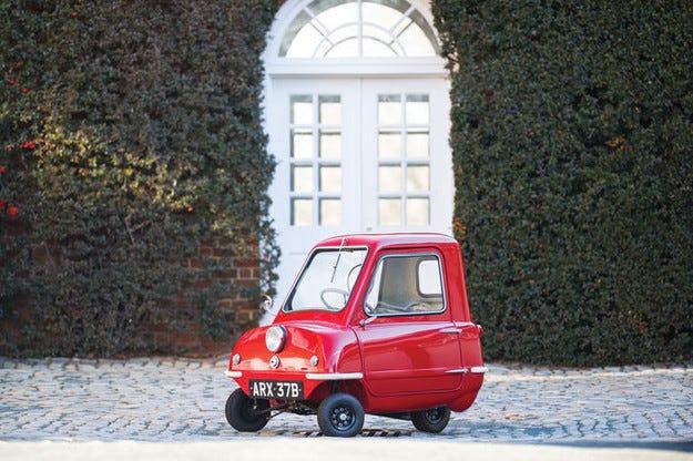 Най-малката кола на света Peel P50 струва ужасно много