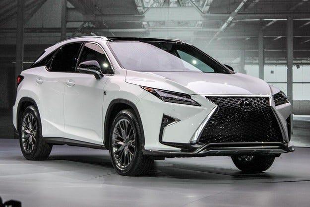 Кросоувърът Lexus RX ще получи трети ред седалки