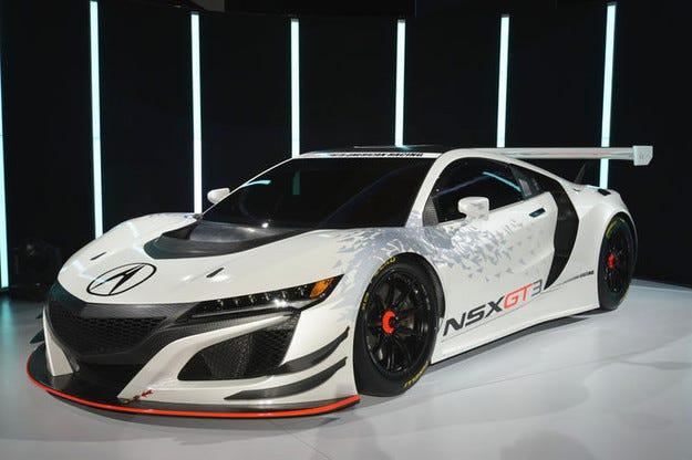 Acura NSX GT3 дебютира на изложението в Ню Йорк
