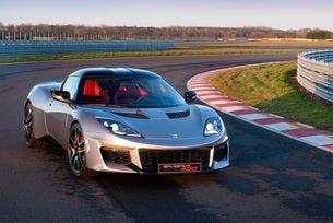 Шефът на Lotus обеща на янките дефорсирано купе Evora