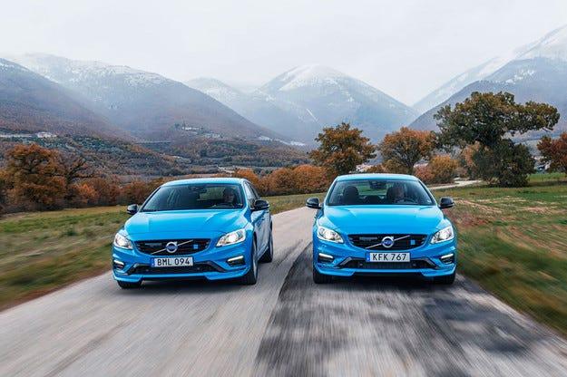 Седанът Volvo S60 и комбито V60 са още по-мощни