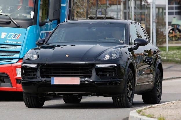 Кросоувърът Porsche Cayenne 2017 вече е с 200 кг по-малко