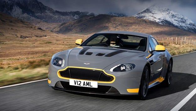Aston Martin V12 Vantage S получава ръчна трансмисия