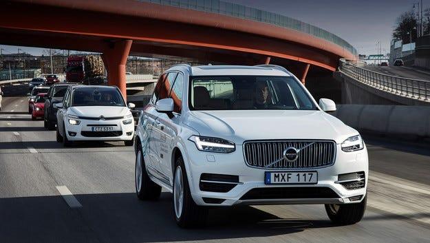 Автономни кросоувъри Volvo XC90 тръгват по китайските пътища