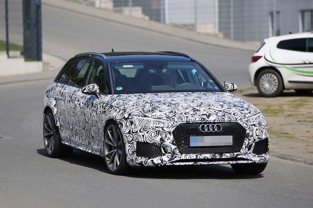 Прототипът Audi RS4: Битурбо комби с 500 к.с.