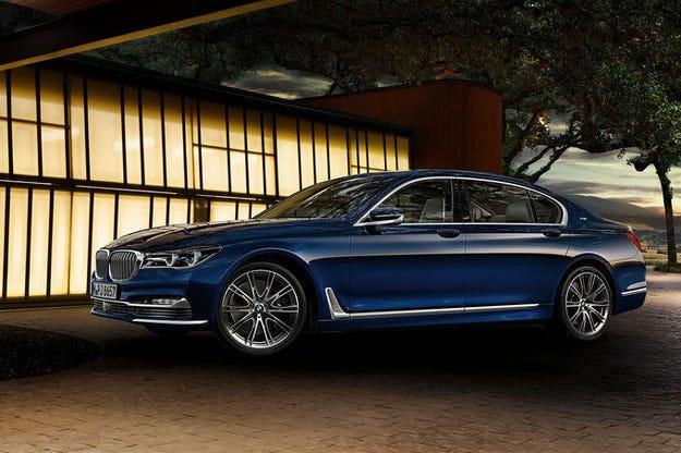 BMW чества 100 години: 100 ексклузивни специални седмици