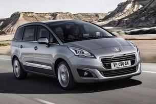 Новото поколение на Peugeot 5008 ще бъде кросоувър