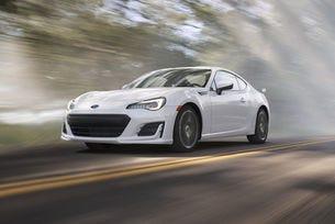 Купето Subaru BRZ става по-сигурно и по-мощно