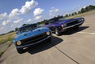 Shelby Mustang GT 500 и Dodge Challenger R/T: Crazy Horses