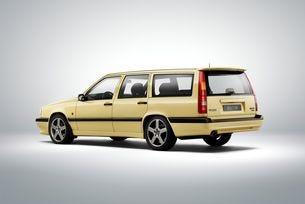 Моделът Volvo 850 празнува своя 25-и рожден ден