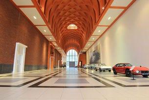 """Автомобилният музей """"Лауман"""" в Хага"""