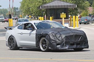 Ford Mustang Shelby GT500 ще развива над 800 к.с.