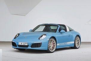 В Цуфенхаузен направиха ретро версия Porsche 911 Targa