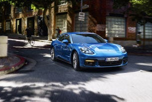 Новото Porsche Panamera получи хибридна версия