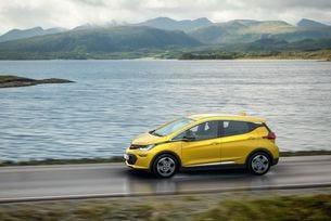 Впечатляващо представяне на Opel на изложението в Париж