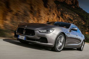 Седанът Maserati Ghibli претърпя леки козметични промени